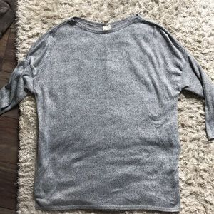 Grey and black tunic size Large. Only worn 2X